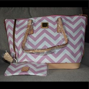 D&B chevron tote with cosmetic case and key fob